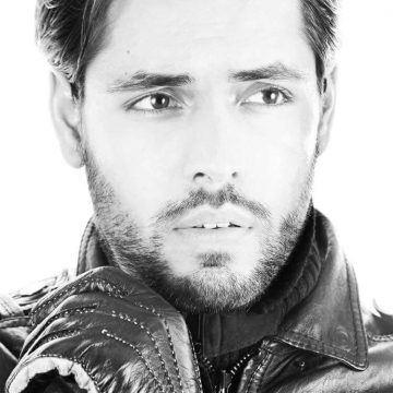 Alejandro Oliva (7)