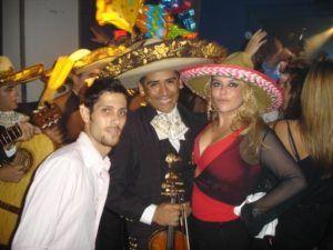 El-grito-de-Mexico-and-Good-luck-Chuck-party40-300x225