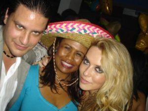 El-grito-de-Mexico-and-Good-luck-Chuck-party42-300x225